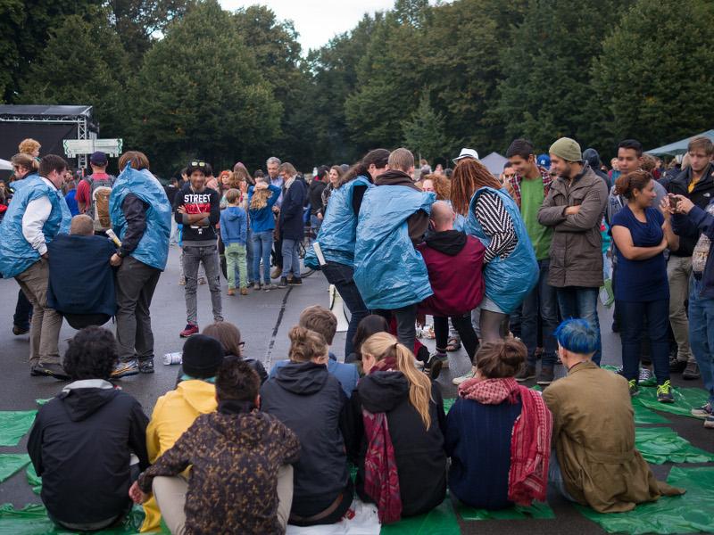 Praxiseinheit Demonstrationsgeschehen beim Brückenfest